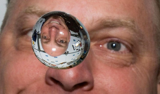 35+ Epic Astronauts To Follow On Twitter - InfiniGEEK