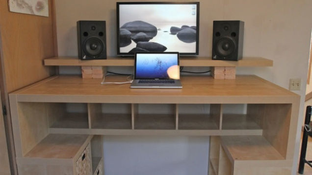 choose-or-build-perfect-gaming-desk-for-you