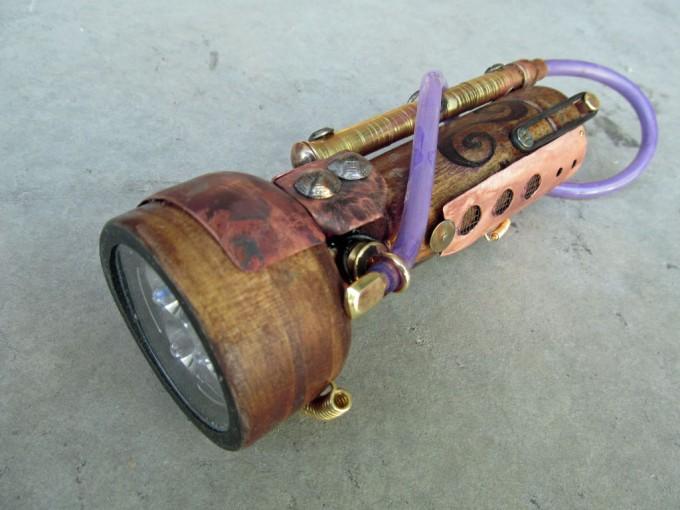 Diy gadgets steampunk flashlight for Easy steampunk ideas