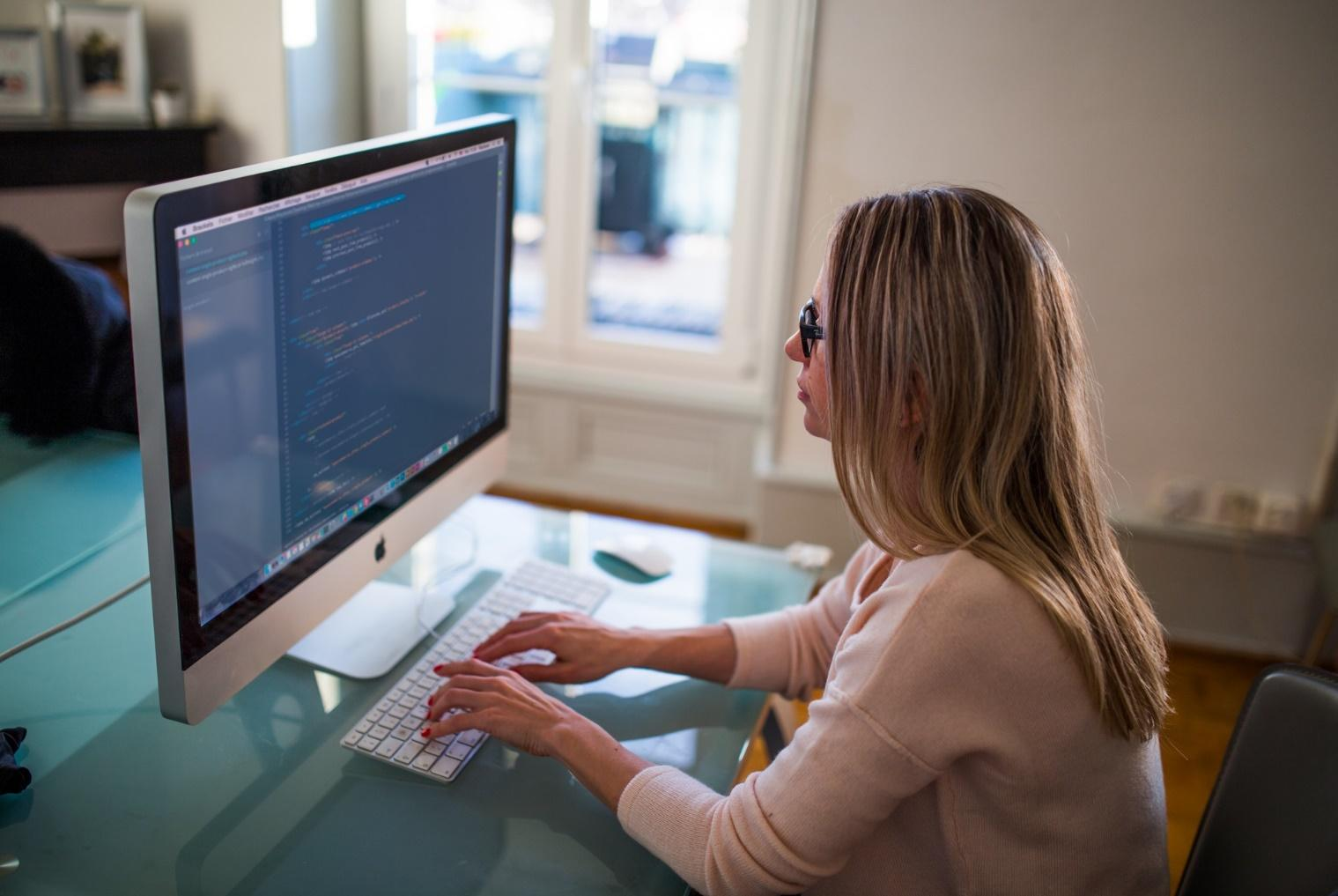 Women in Technology: Why We Need More Code Girls in This Field