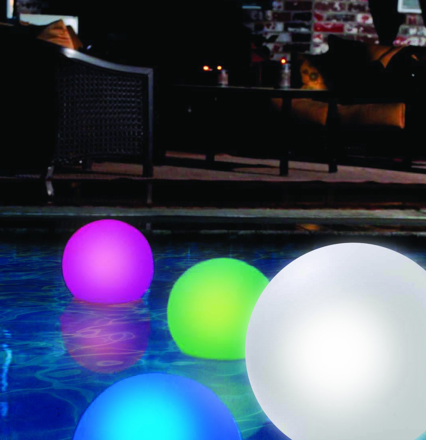 4 fun and funky floating pool lights infinigeek. Black Bedroom Furniture Sets. Home Design Ideas