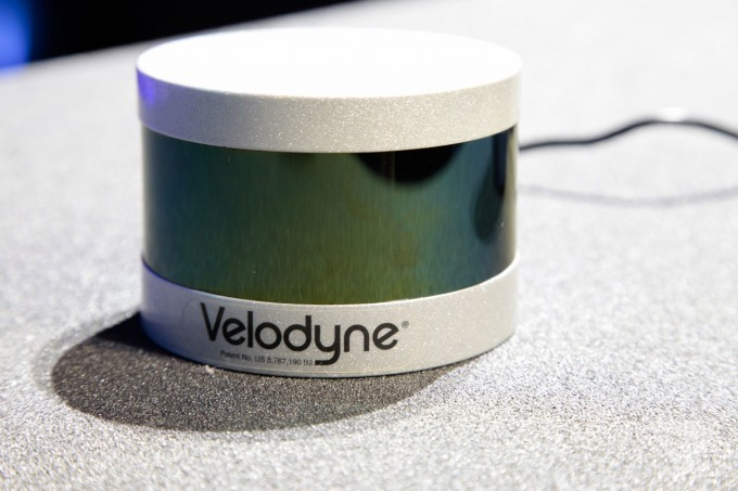Ford-Velodyne-CES-2016-autonomous-driverless-car-tech