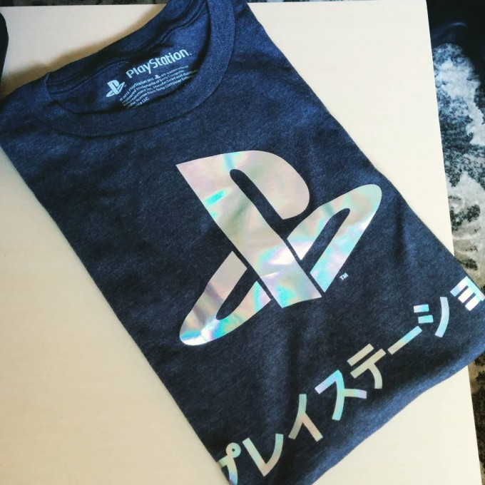 andysowards-geek-gaming-shirt-ps-playstation-logo-reflective-silver