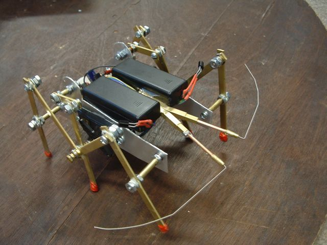 diy gadgets simple lobsterbot lm386 based
