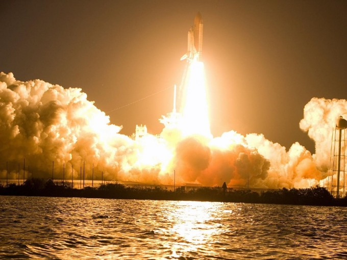 geek-bucket-list-ideas-watch-a-rocket-take-off