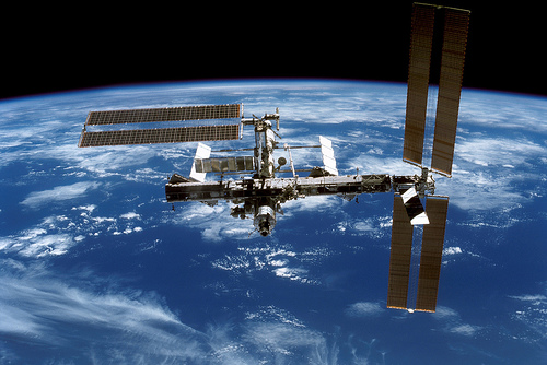 http://infinigeek.com/assets/international-space-station-science-technology-in-orbit.jpeg?84cd58