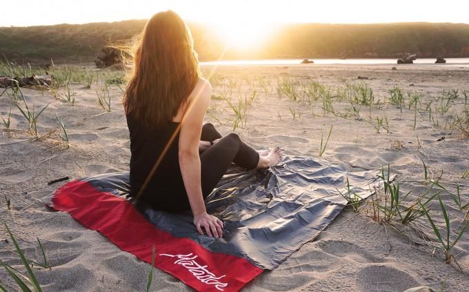 matador-pocket-blanket-full-size-fits-in-pocket-camping