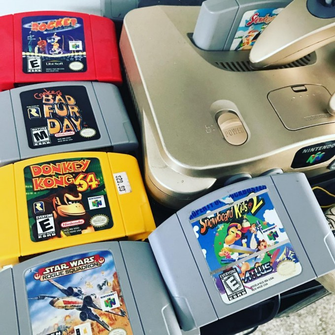 n64-game-console-cartridges-great-old-gamer-geek-gift-ideas