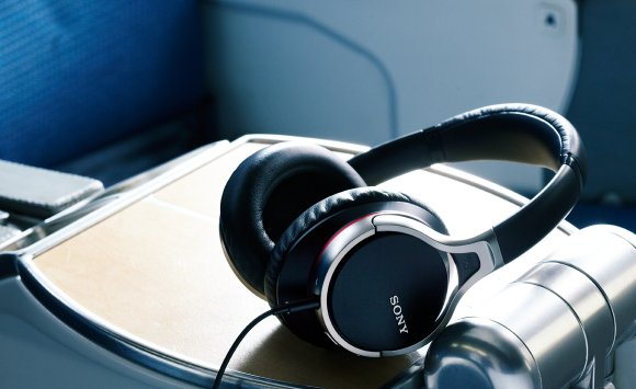 sony-noise-canceling-headphones
