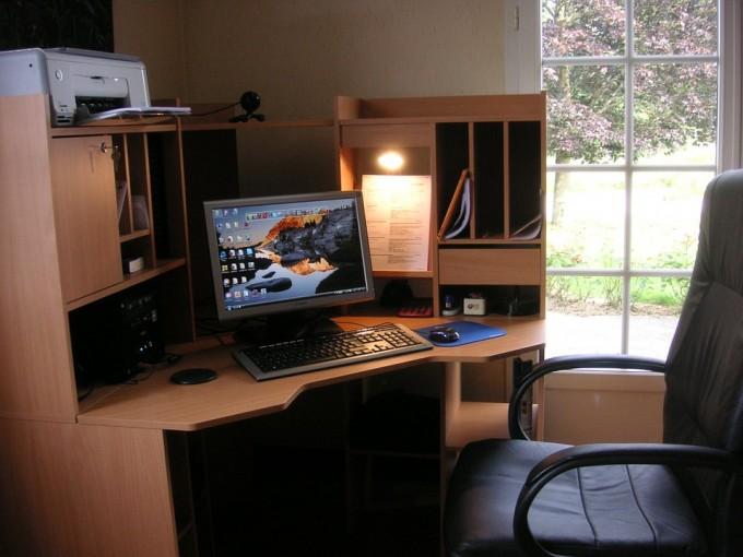 work-space-diy-pc-is-not-dead-tech-trends