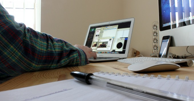 working-from-home-tips-for-staying-on-task-meeting